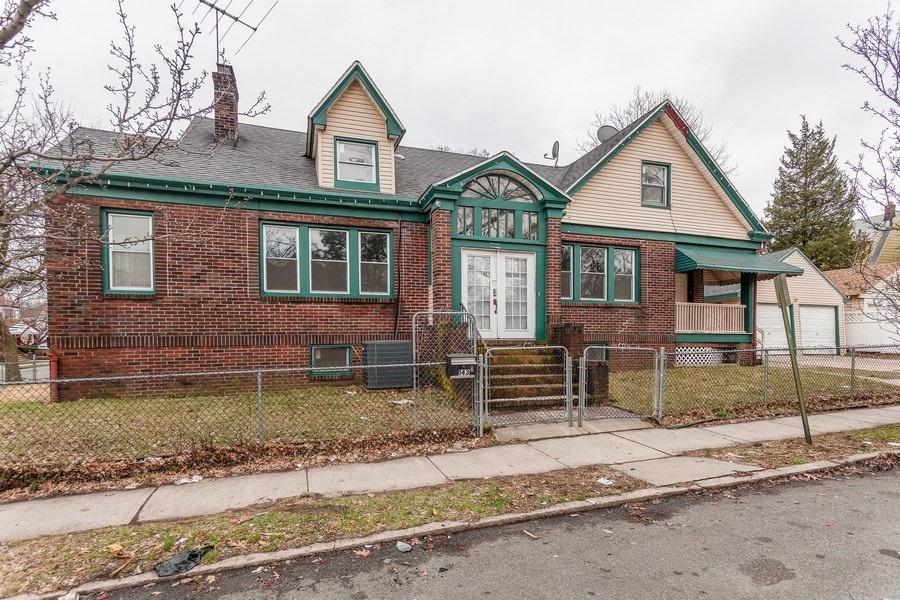 143 W Allen St, Irvington, NJ 07111