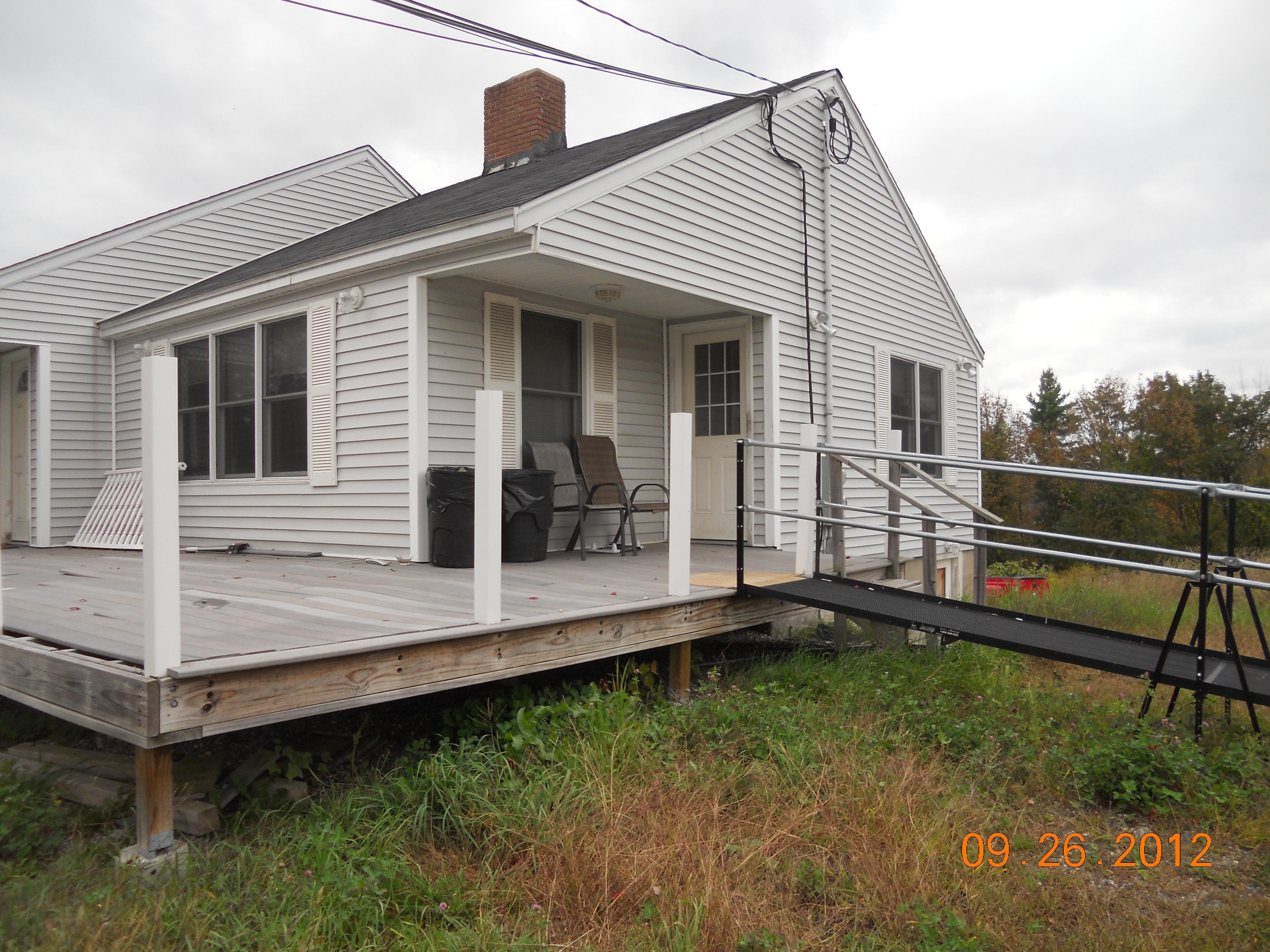 78 Rockingham Rd, Derry, NH 03038