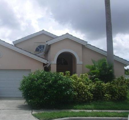915 NW 202nd Ter, Pembroke Pines, FL 33029