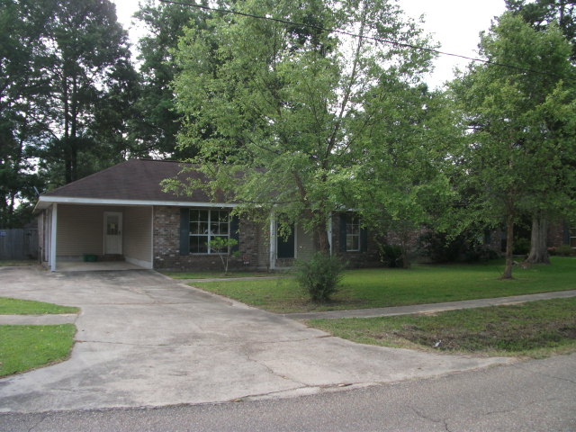 3290 Old Baker Rd, Zachary, LA 70791