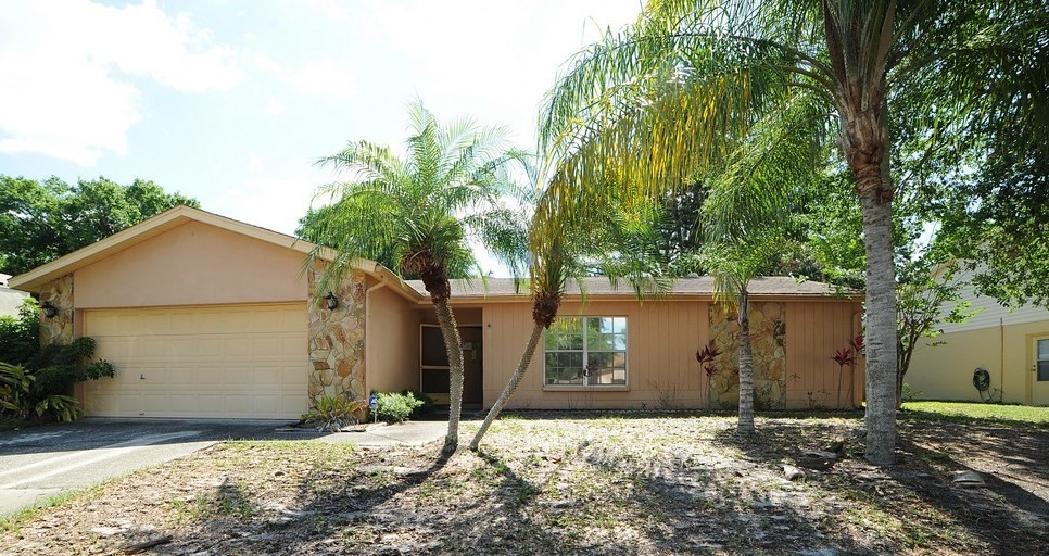 12838 Tallowood Dr, Riverview, FL 33579