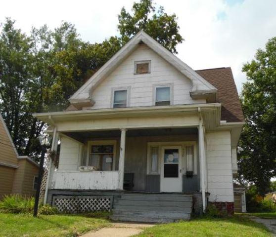 138 Cedar Ave, Galesburg, IL 61401