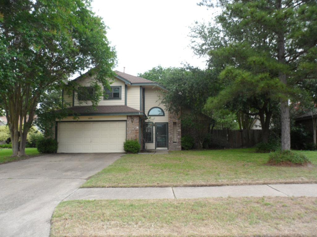 8606 Pine Falls Dr, Houston, TX 77095