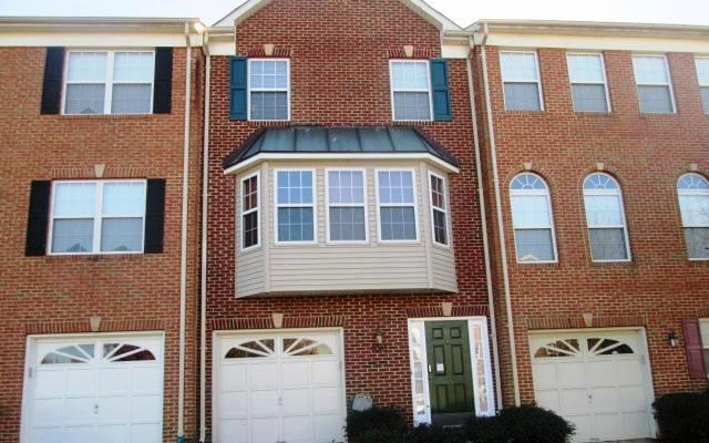 8063 Bloomsbury Pl, White Plains, MD 20695