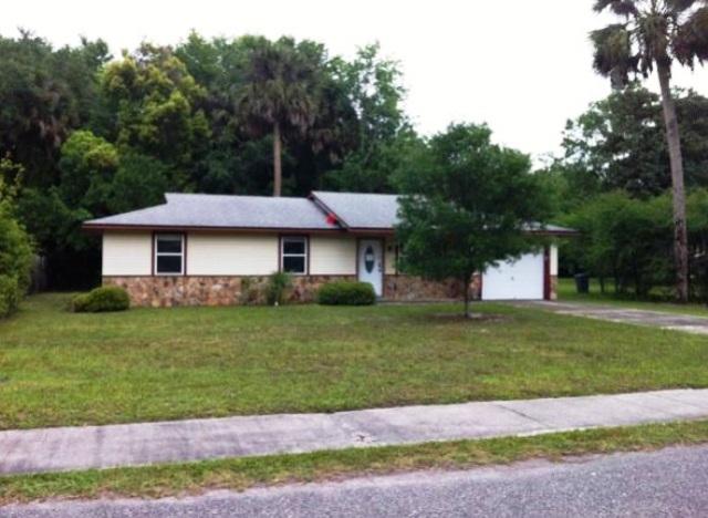 1318 Walnut St, Green Cove Springs, FL 32043