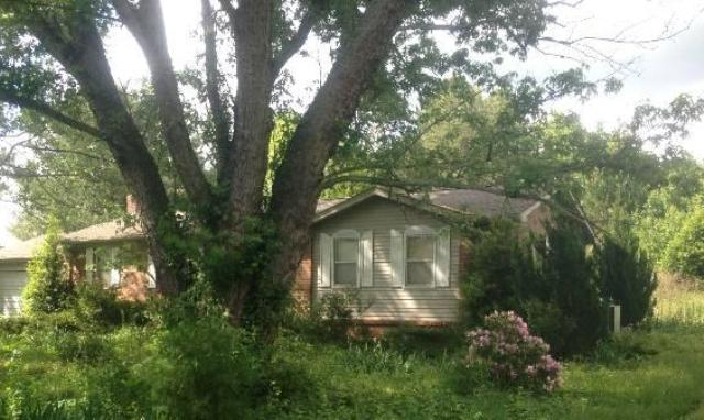 241 Southside Dr, Mc Minnville, TN 37110