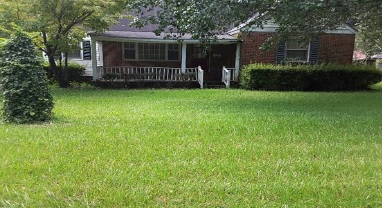 Photo of 411 W Mullins St  Marion  SC