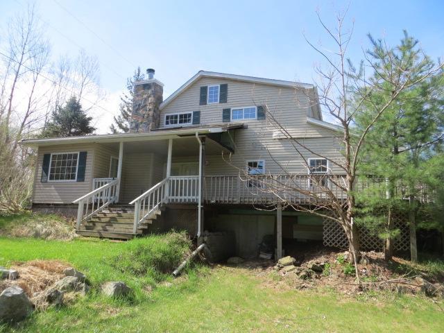 407 Burgoyne Rd, Saratoga Springs, NY 12866