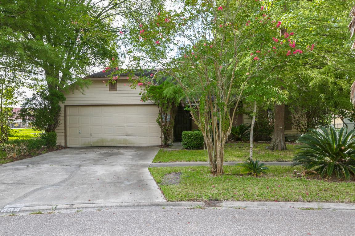 494 Shamrock Ave S Jacksonville, FL 32218