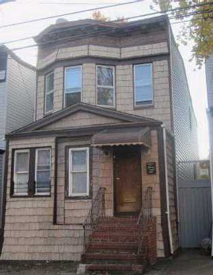 85-66 76th St, Woodhaven, NY 11421