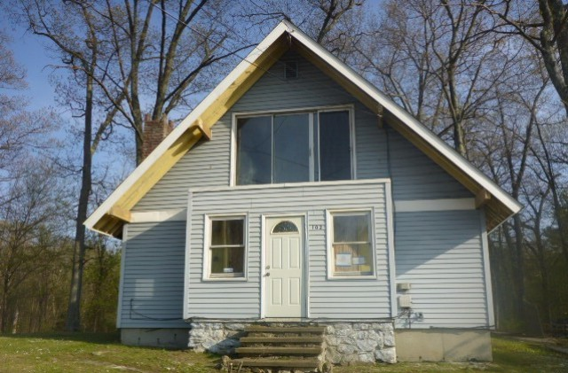 102 Worcester Rd, Charlton, MA 01507