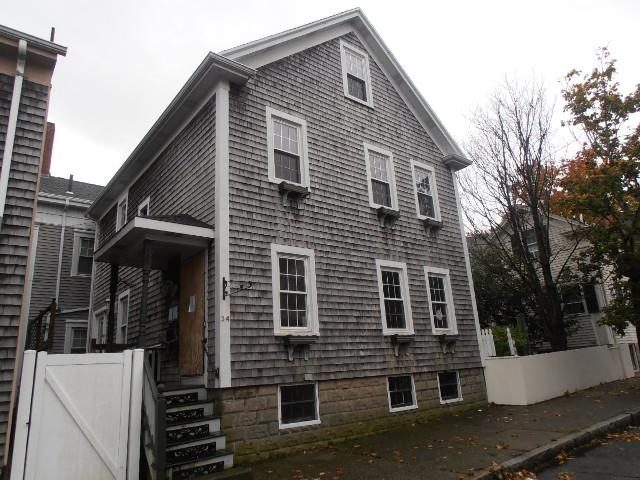 34 Sycamore St, New Bedford, MA 02740