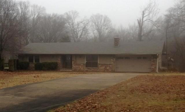 17980 Crestwood Dr, one of homes for sale in Siloam Springs