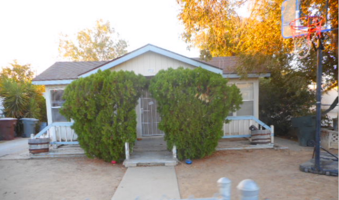 Photo of 712 E Stanislaus St  Avenal  CA