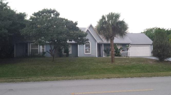 8205 101st Ave, Vero Beach, FL 32967