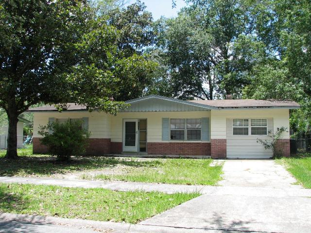 2922 NE 16th Ter, Gainesville, FL 32609