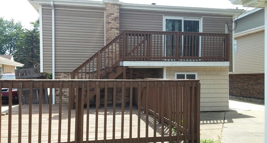 7842 New Castle Ave, Burbank, IL 60459