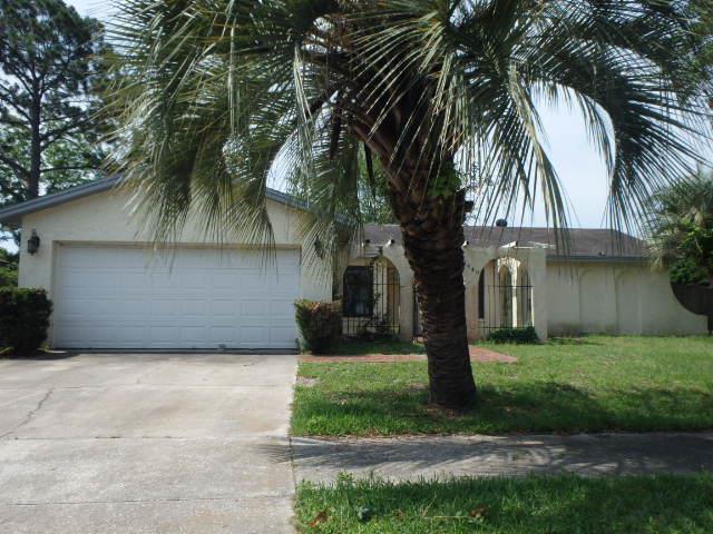 8640 Rockland Dr, Jacksonville, FL 32221