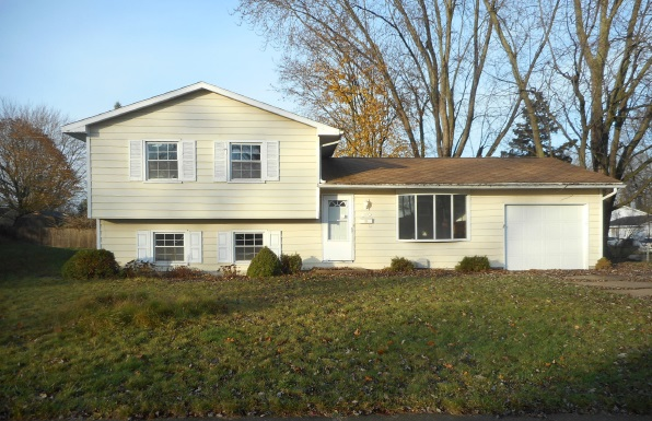 Photo of 227 Woodhill Ln  South Bend  IN