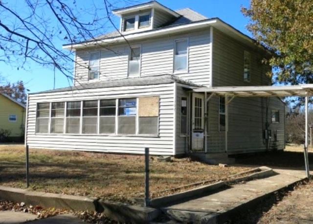 704 N Taft Ave, Okmulgee, OK 74447