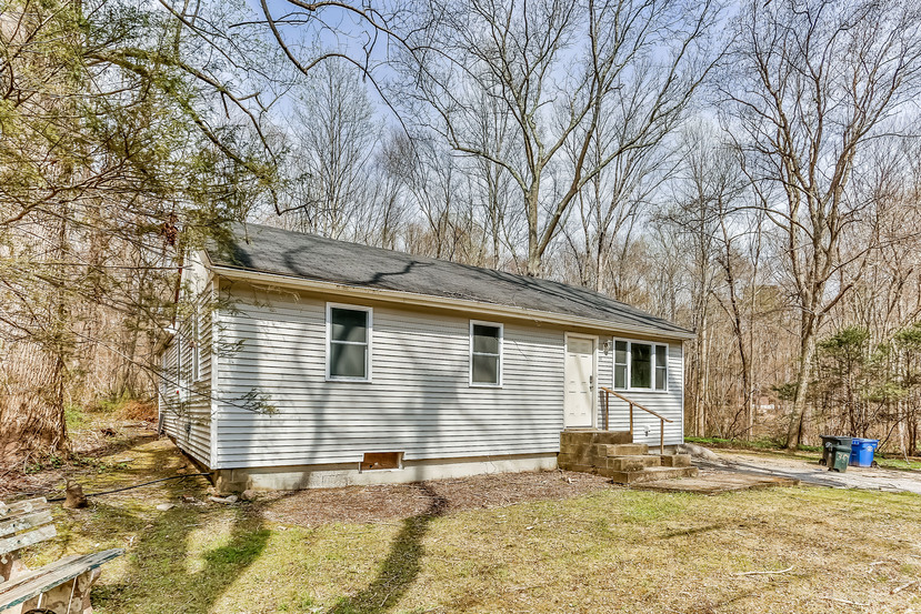 114 Christy Hill Rd, Gales Ferry, CT 06335