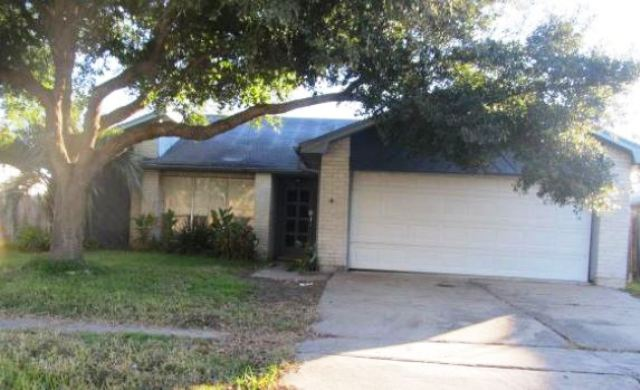 One of Sugar Land 3 Bedroom Single Story, Homes for Sale