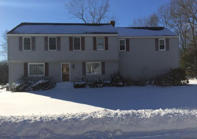 8 Cedarview Ln, Hampton, NH 03842