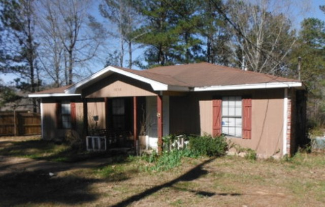 1056 Lake Dockery Rd, Byram, MS 39272