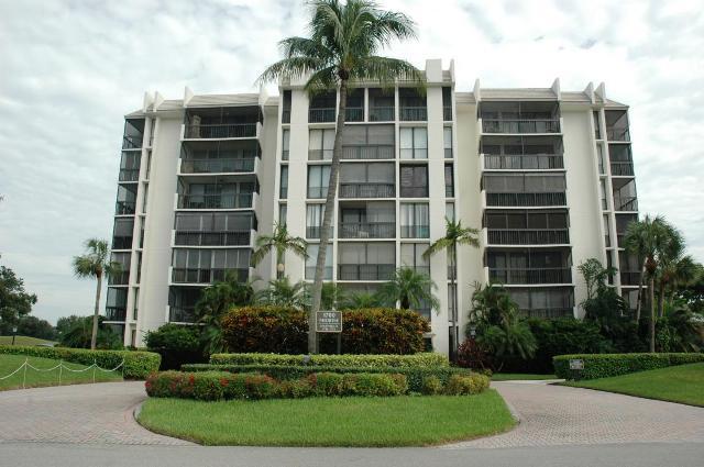 1712 Bridgewood Dr, Boca Raton, FL 33434