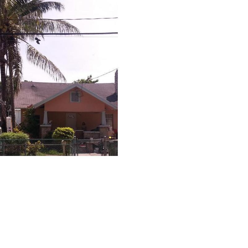 982 SW 3rd St, Miami, FL 33130