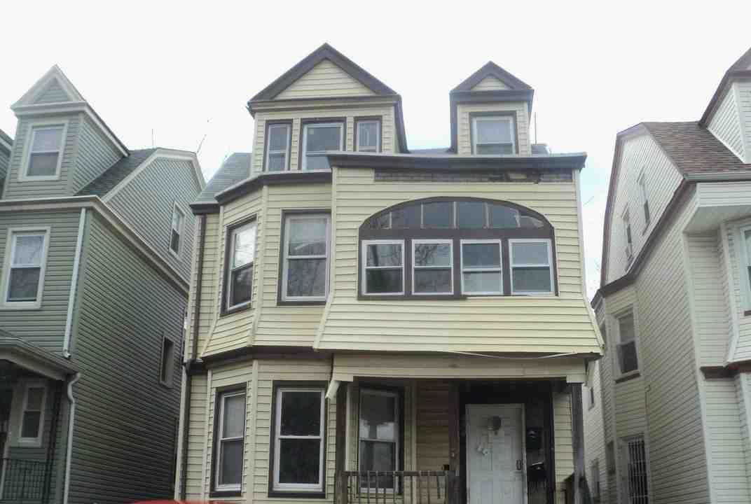 105 N 16th St, East Orange, NJ 07017