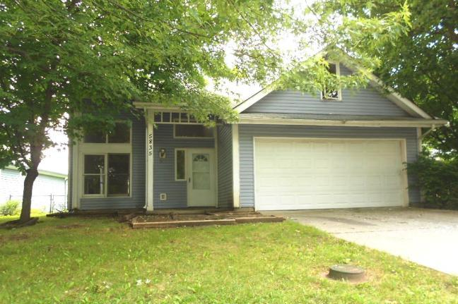 Photo of 5835 Petersen Ct  Indianapolis  IN