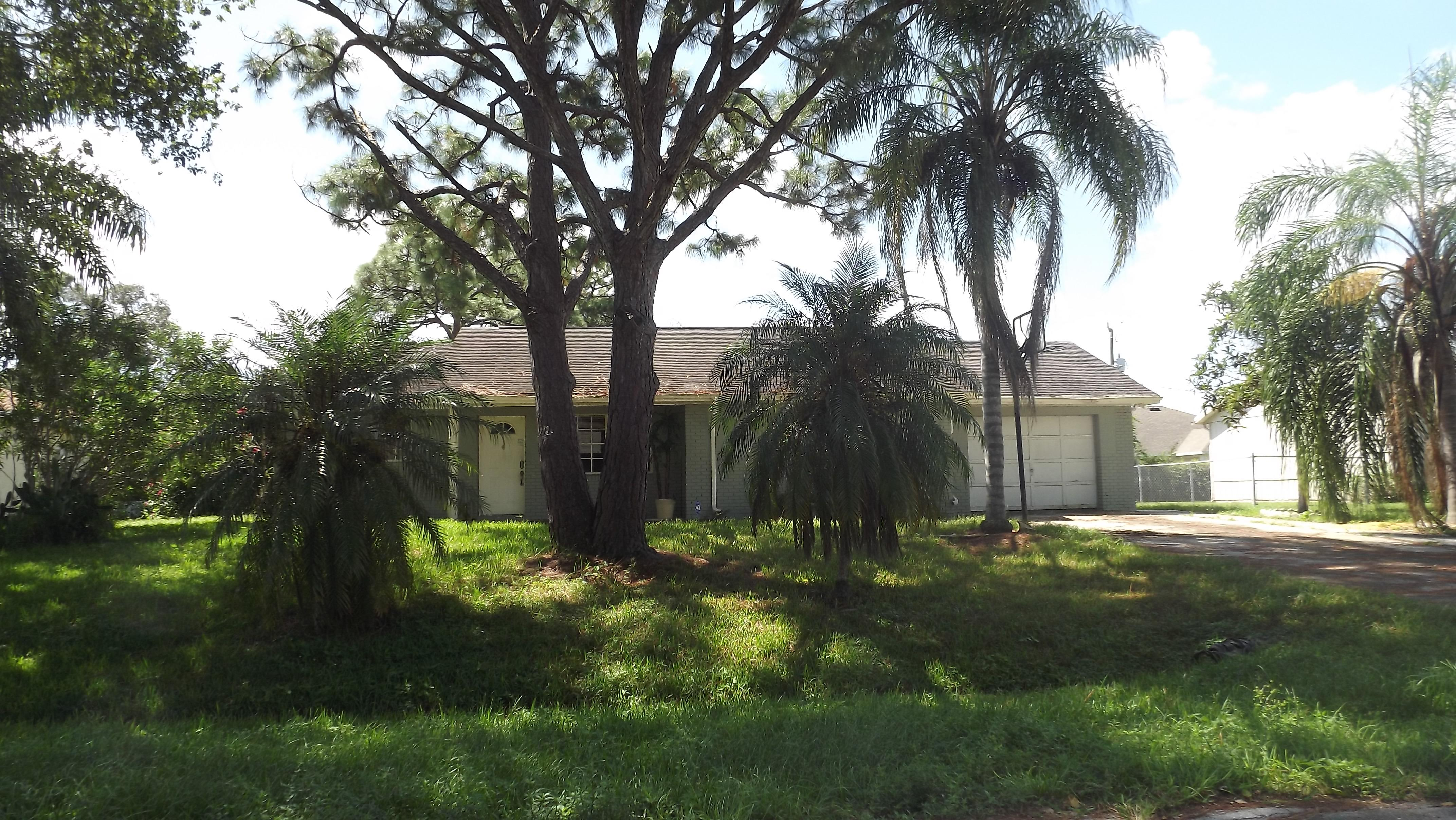 298 Ne Glentry Ave, Port Saint Lucie, FL 34983