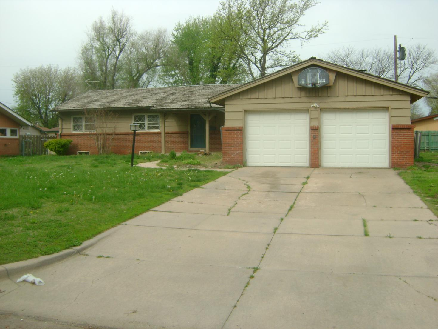 2481 N Coolidge Ave, Wichita, KS 67204