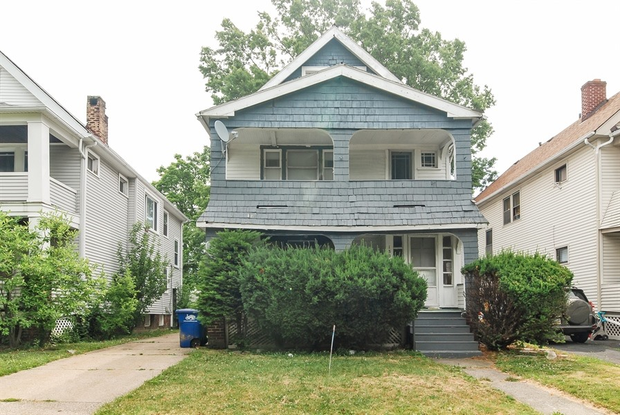 Photo of 1301 Jackson Ave  Lakewood  OH