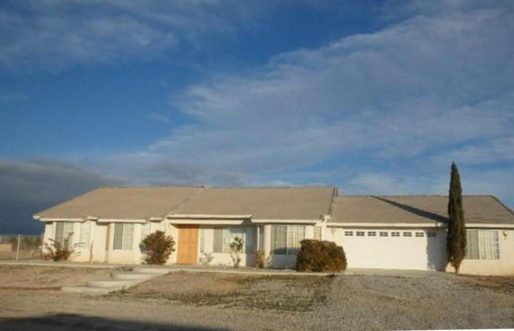 3521 Prairie Ave, Pahrump, NV 89048