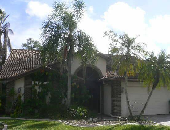 502 Countryside Dr, Naples, FL 34104