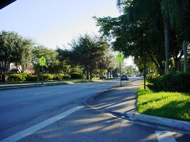 8070 Sw 157th Pl, Miami, FL 33193