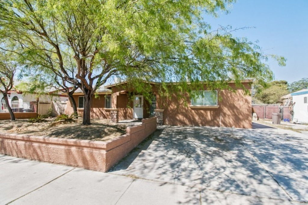 5604 W Bartlett Ave, Las Vegas, NV 89108