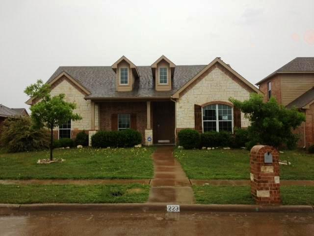 223 Quail Run Rd, Red Oak, TX 75154