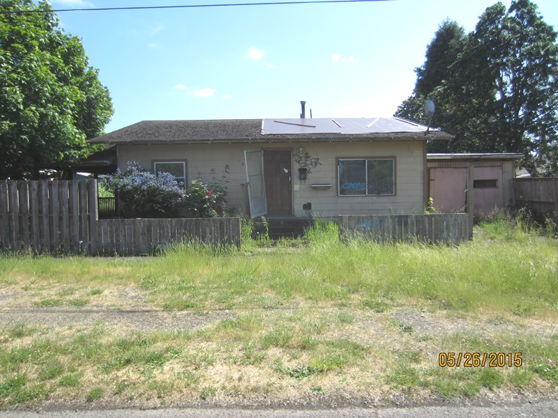 641 E St, Independence, OR 97351