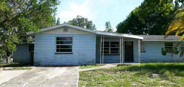 One of New Port Richey 2 Bedroom Homes for Sale