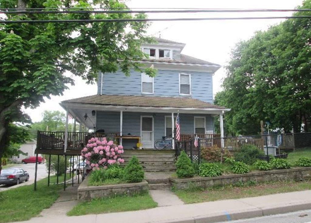 Photo of 47 W Warwick Ave  West Warwick  RI
