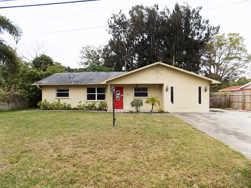 445 W Seminole Dr - one of homes or land real estate for sale in Venice