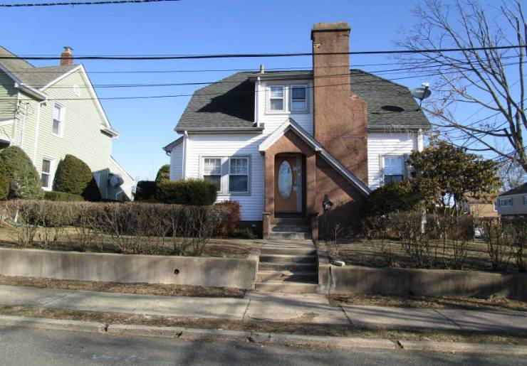 107 Palisades Ave, Bergenfield, NJ 07621