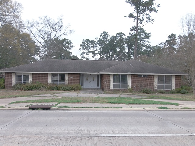 1208 W University Ave, Hammond, LA 70401