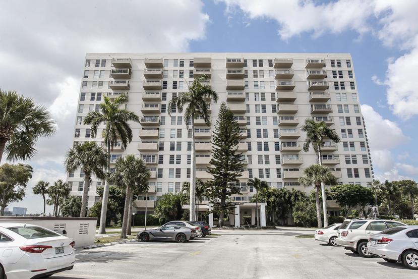 880 Ne 69th St # 9j, Miami, FL 33138