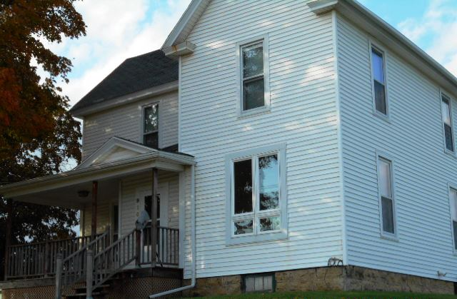 Photo of 910 E Mineral St  Platteville  WI
