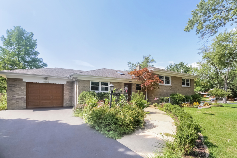Photo of 2820 Wallace Dr  Flossmoor  IL