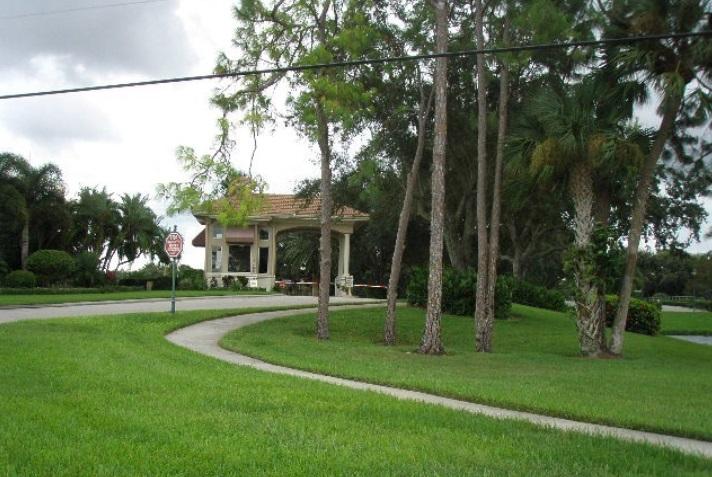 4577 Shearwater Ln, Naples, FL 34119